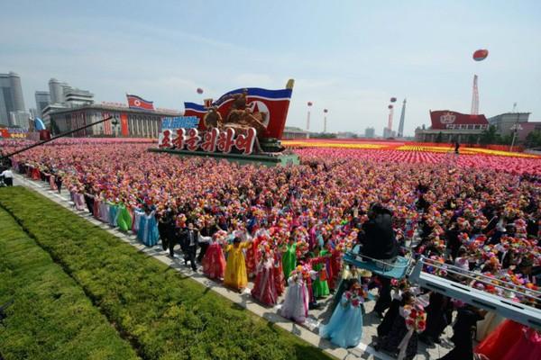 Соцстроительство в КНДР. Введение: сравнивая Кореи